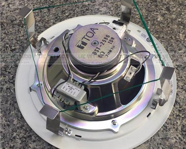 Loa âm trần 15W TOA PC-2852 có chân kẹp SUS thông minh, tiện lợi