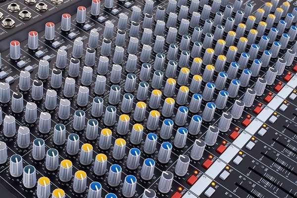 Bàn Mixer CMS 1600
