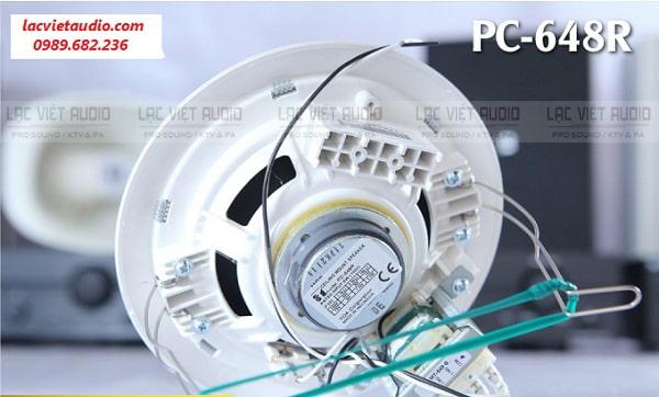 Thiết kết móc kẹp chắc chắn của loa âm trần TOA PC 648R