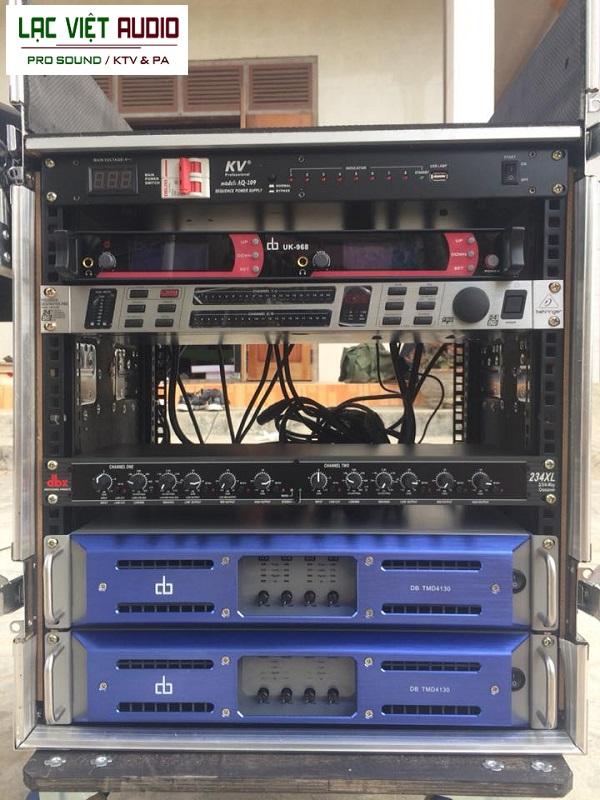 Các thiết bị được lắp kiên cố vào tủ rack 12U