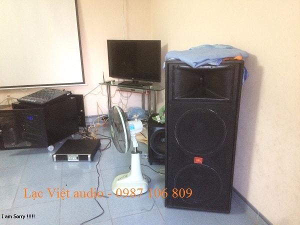 Loa 725 được sử dụng cho dàn âm thanh của anh Tuấn