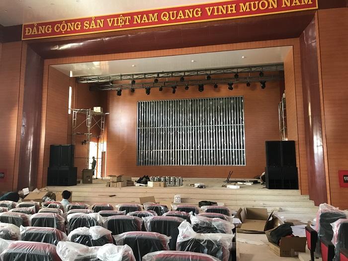 Bộ âm thanh hội trường được lắp đặt thực tế tại UBND Huyện Điện Biên