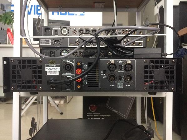 Mặt sau cục đẩy công suất DB K650