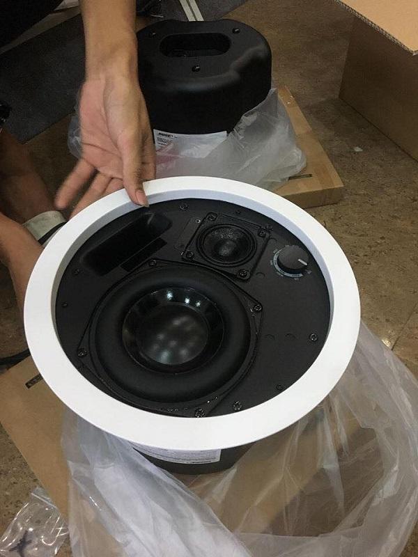 sản phẩm loa âm trần bose ds 100F được sử dụng phổ biến hiện nay