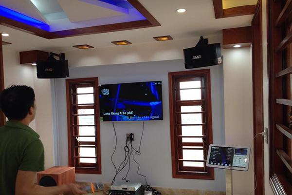 Lắp đặt đàn karaoke cho âm thanh phòng khách