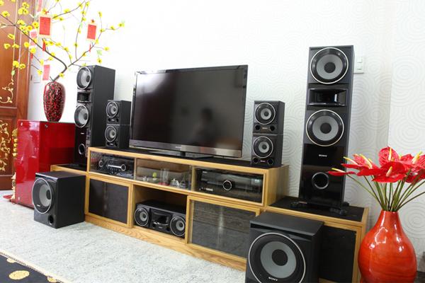 Bố trí âm thanh phòng khách phù hợp với nhu cầu sử dụng