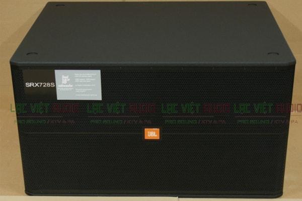 thiết kế mặt trước của loa sub JBL SRX 728S - Lạc Việt Audio