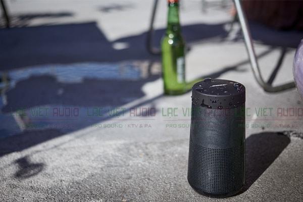 Khả năng chống nước của Loa di động Bose SoundLink Revolve - Lạc Việt Audio