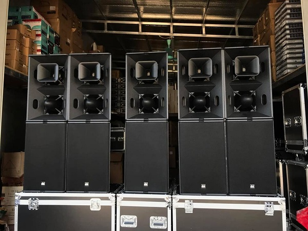Loa hỏa tiễn TL Sound được Lạc việt audio lắp đặt cho khách