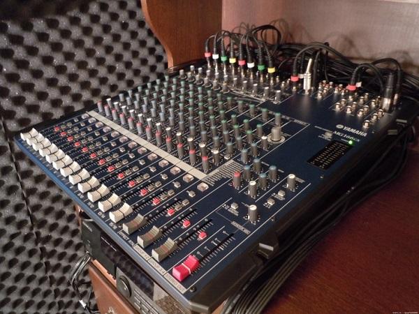 Mixer Yamaha bãi