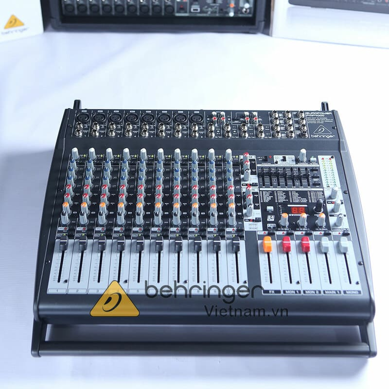 Chi tiết bàn điều khiển Mixer Behringer PMP 4000