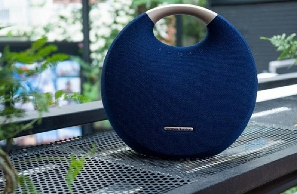 Loa bluetooth cầm tay Harman Kardon