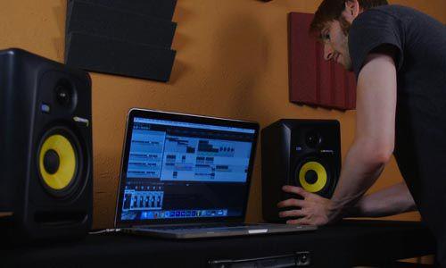 Loa kiểm âm được sử dụng rộng rãi trong các phòng thu âm