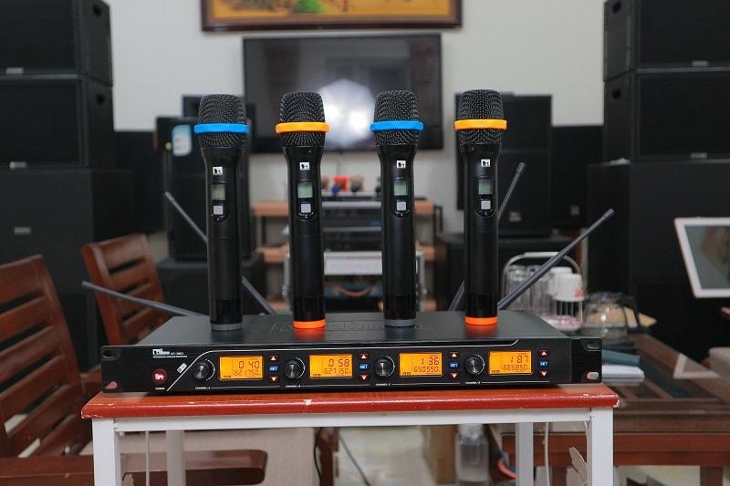 Sản phẩm micro không dây NUOXUN QT380 tại Lạc Việt Audio