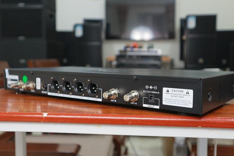 micro không dây 4 tay mic QT-380
