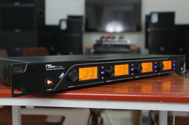 Sản phẩm micro không dây NUOXUN QT380 chuyên sử dụng cho phòng họp
