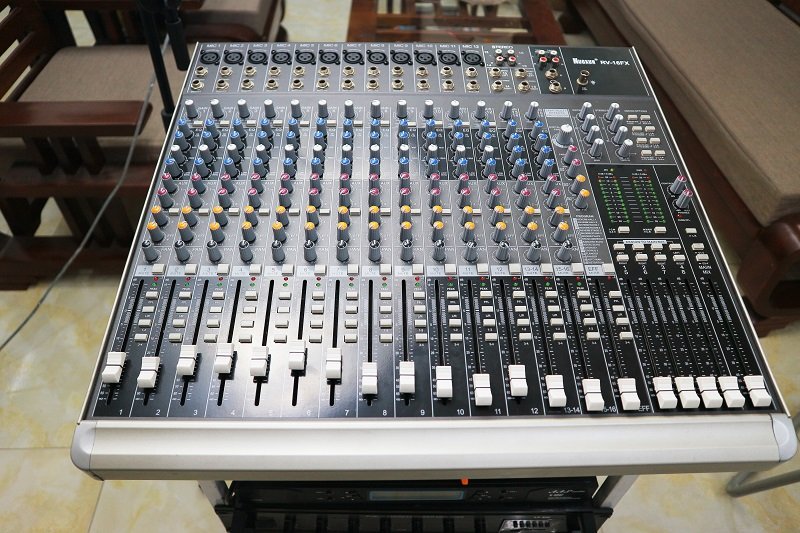 Bàn mixer Nuoxun RV-16FX