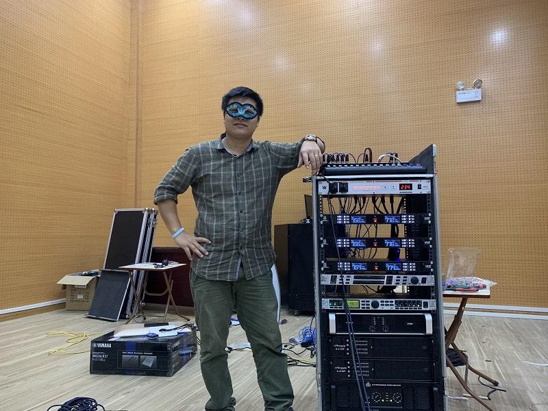Tủ thiết bị điều khiển cho hệ thống âm thanh