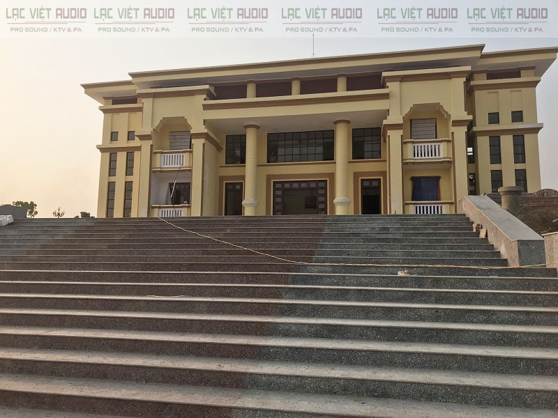 UBND huyện Điện Biên mới xây dựng