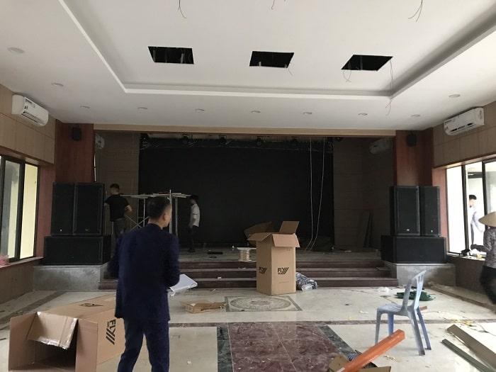 Lạc Việt Audio vận chuyển tất cả các thiết bị đến tận nơi công trình để lắp đặt