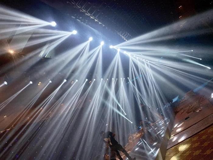 Hệ thống ánh sáng hội trường được nhập khẩu chính hãng
