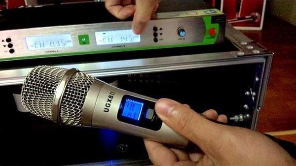 Lưu ý về cách sử dụng micro không dây Shure hiệu quả, khoa học
