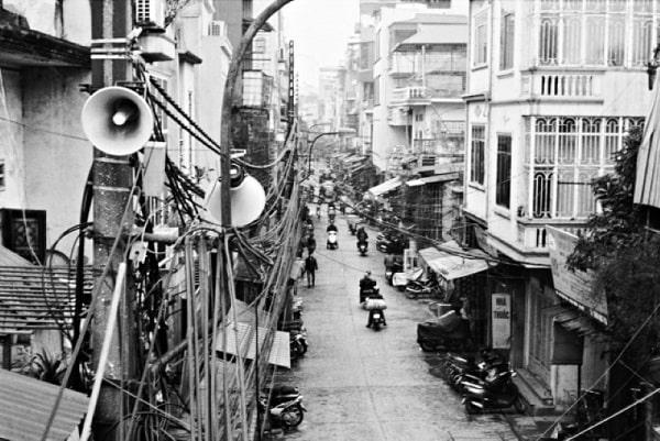 Hình ảnh loa phát thanh ngày xưa trên các con phố
