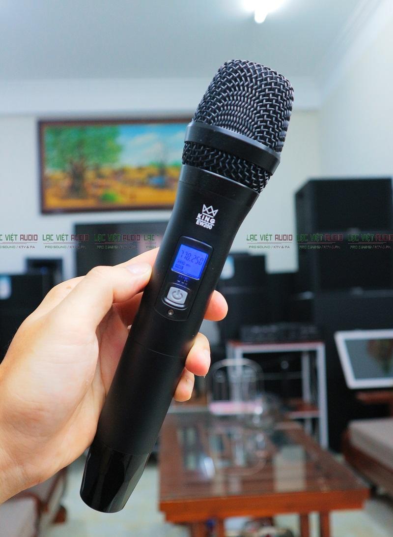 Tay mic King EW-200