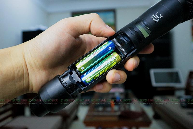 Tay cầm Micro King EW-600
