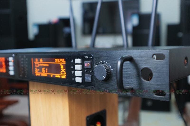 Đầu thu Micro King EW-600