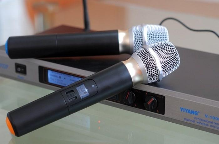 Ưu điểm của micro UHF là gì?
