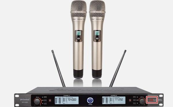 Micro không dây VHF là một thiết bị VHF phổ biến