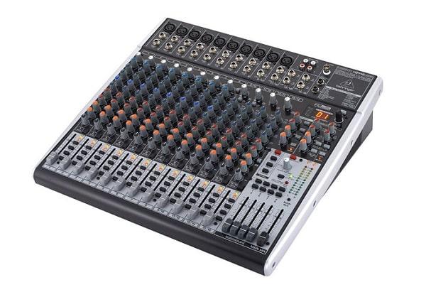 Tại sao nên chọn bàn mixer Behringer?