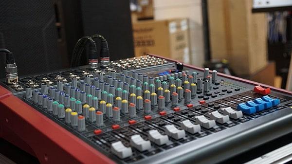 Địa chỉ bán mixer Soundking chính hãng, giá rẻ