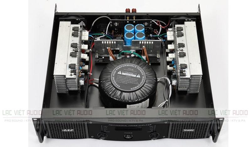 Cục đẩy công suất AAP STD4002 bên trong