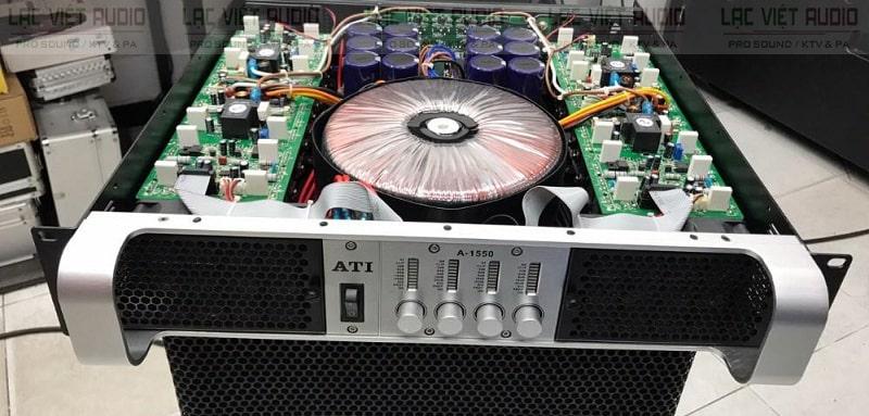 Cục đẩy công suất ATI A-1550 bên trong