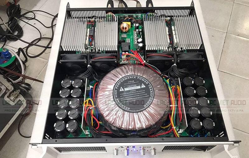 Cục đẩy ATI A8200 bên trong