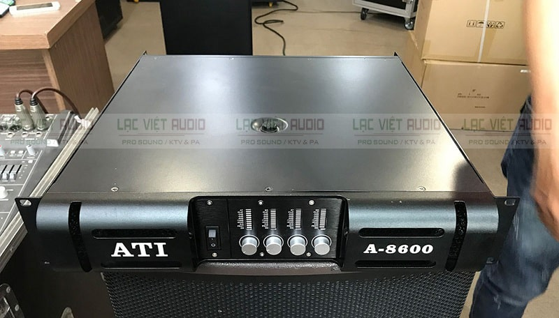 Cục đẩy công suất Ati A-8600 sở hữu thiết kế mạnh mẽ, hiện đại