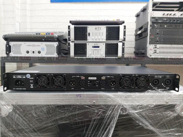 Phía sau cục đẩy công suất ATI A2150 được trang bị các cổng kết nối tiêu chuẩn