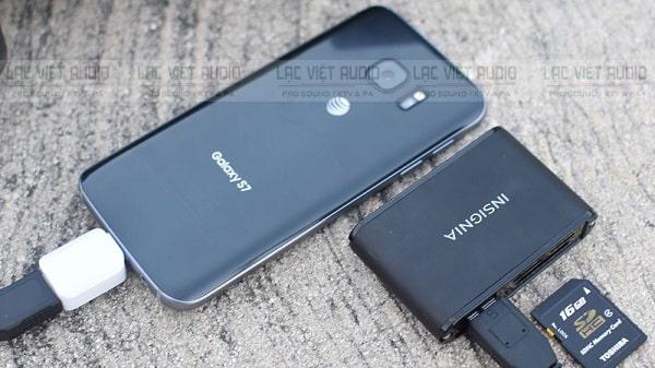 Cách tải nhạc vào USB bằng điện thoại Samsung, Iphone cần có cáp OTG