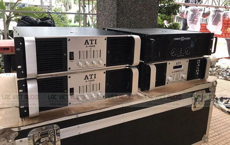 Cục đẩy công suất ATI A-1600S phía trước