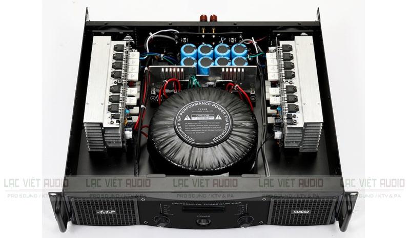 Cục đẩy công suất AAP STD8002 bên trong