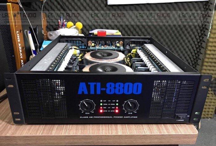 Cục đẩy công suất ATI 8800 có thiết kế sang trọng, mạnh mẽ