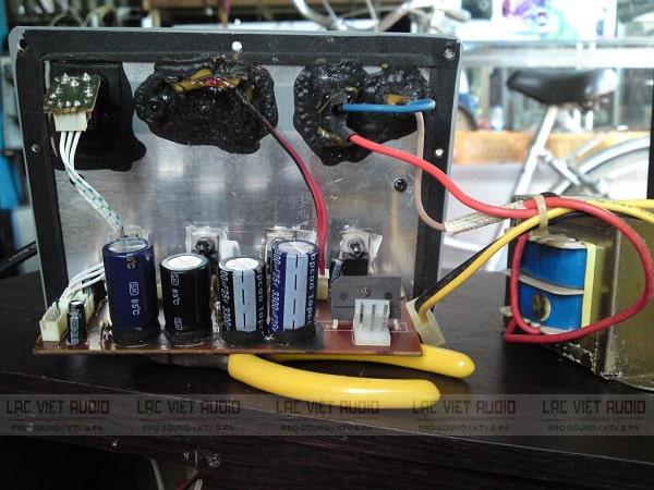 Sửa loa vi tính mất bass do linh kiện bị oxi hóa