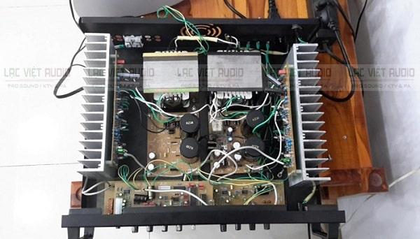 Amply mở to bị ngắt do lỗi phần mạch