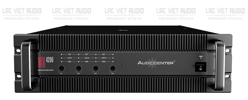 Mặt trước của cục đẩy Audiocenter MX4200