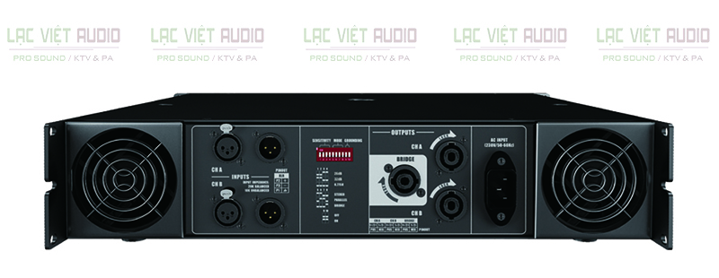 Mặt sau của cục đẩy Audiocenter PRO4.0