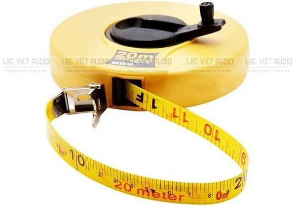 Để đo tấc của loa bạn chỉ cần sử dụng thước đo đơn giản