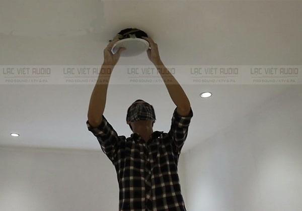 Lắp loa Bosch LBC 3090/31 lên trần thạch cao