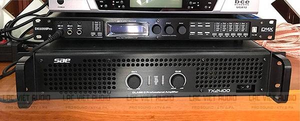 Cục đẩy SAE TX2400 kết hợp tốt với các thiết bị như vang số, mixer, loa,...